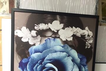 Gợi ý chọn tranh treo phòng khách phù hợp, sang trọng - In Nam Định