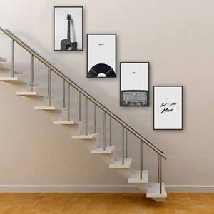 Tranh treo cầu thang