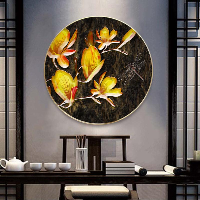 Tranh tròn hoa vàng và chú chuồn chuồn