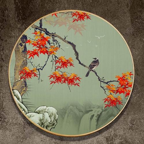 Tranh tròn, cành cây sắc màu và chú chim