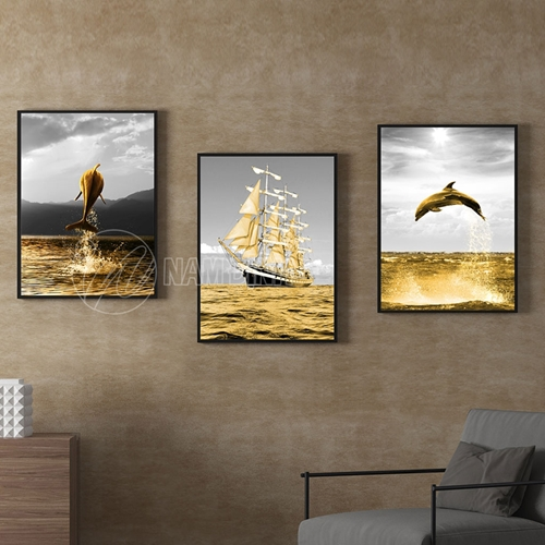 Biển vàng cá và thuyền