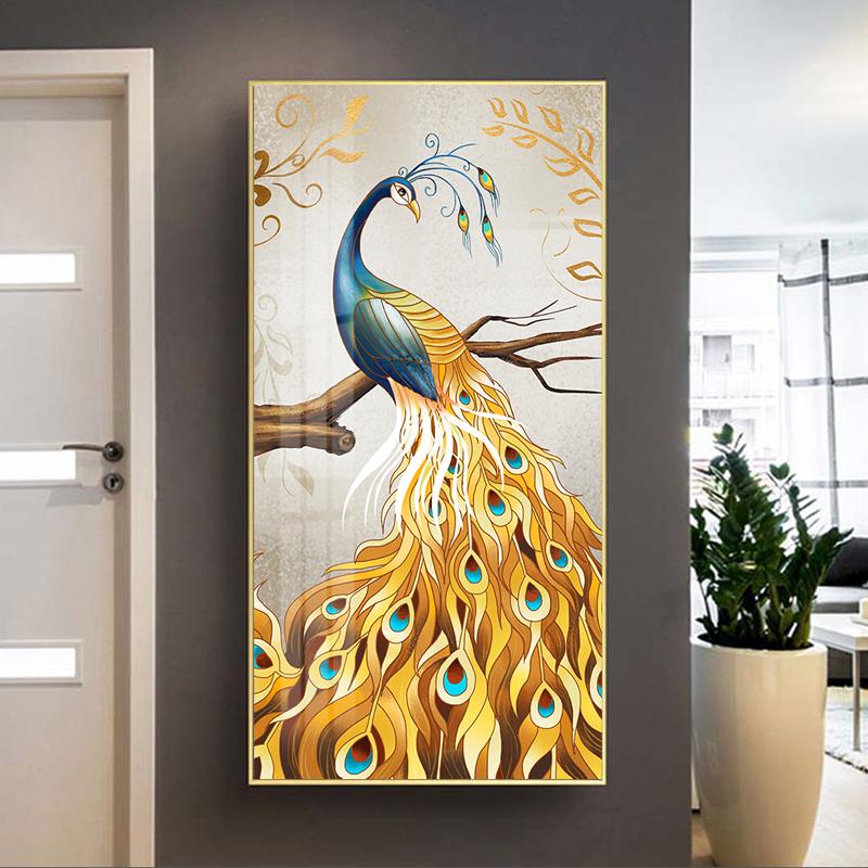 Tranh chim công sắc màu, đậu trên cành cây vàng