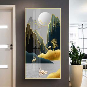 Tranh sơn thủy, hòn núi viền vàng kim trang trí