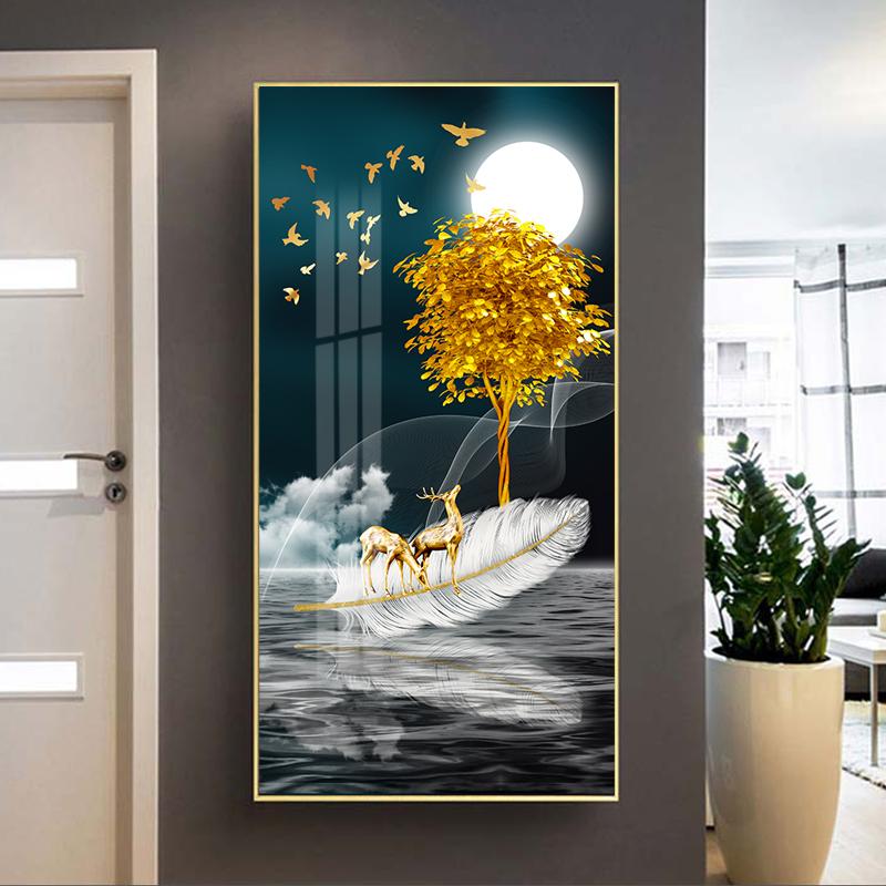 Tranh treo tường, hươu vàng đứng trên lông vũ