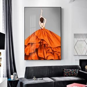 Tranh thời trang, cô gái mặc váy màu cam