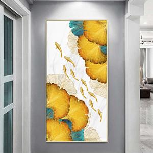 Tranh treo tường, đàn cá vàng và lá họa tiết